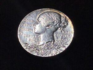 Great-Britain-1837-1897-Queen-Victoria-Diamond-Jubilee-Silver-Medal-Medallion