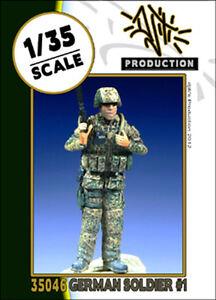 DJITI-039-S-PRODUCTION-35046-German-soldier-1-scala-1-35