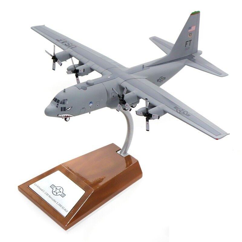 Inflight 200 IF1300916 1 200 USA Air Force C-130E Hércules (L-382) 64-0539 con Std