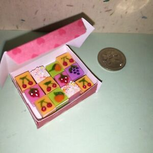 GORGEOUS-DOLLHOUSE-Mini-Food-12-x-SQUARE-CAKES-in-BOX-for-BARBIE-PARTY