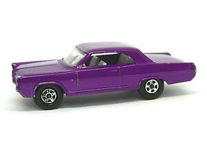 Matchbox-Lesney-No-22c-Pontiac-Grand-Prix-Coupe-Purpura-Oscuro