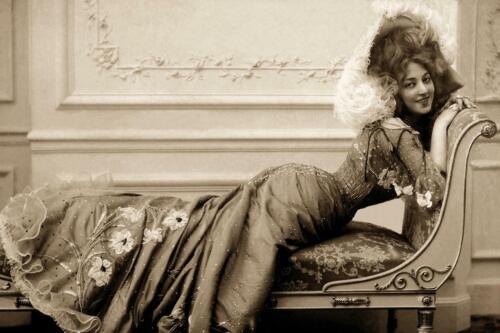 Antique Photo .. Photo Print 8x12 Actress Anna Held 1890/'s  Lounge  ..
