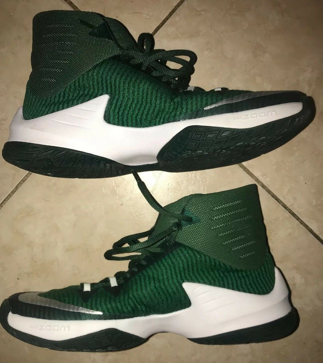 Nike Hyperdunk Sneakers Mens 2016 Basketball shoes Size 9.5 Green White Display