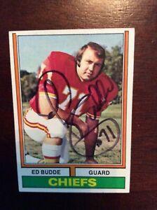 ED BUDDE   AUTOGRAPHED 1974 TOPPS. KC KANSAS CITY CHIEFS AUTO  CARD AFL