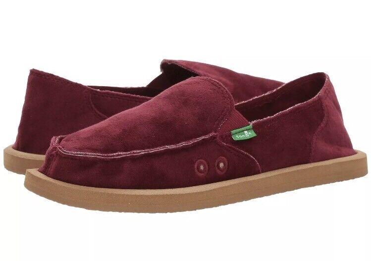 New Sanuk 1017577 women Velvet Red Women's Slip On shoes Size 10