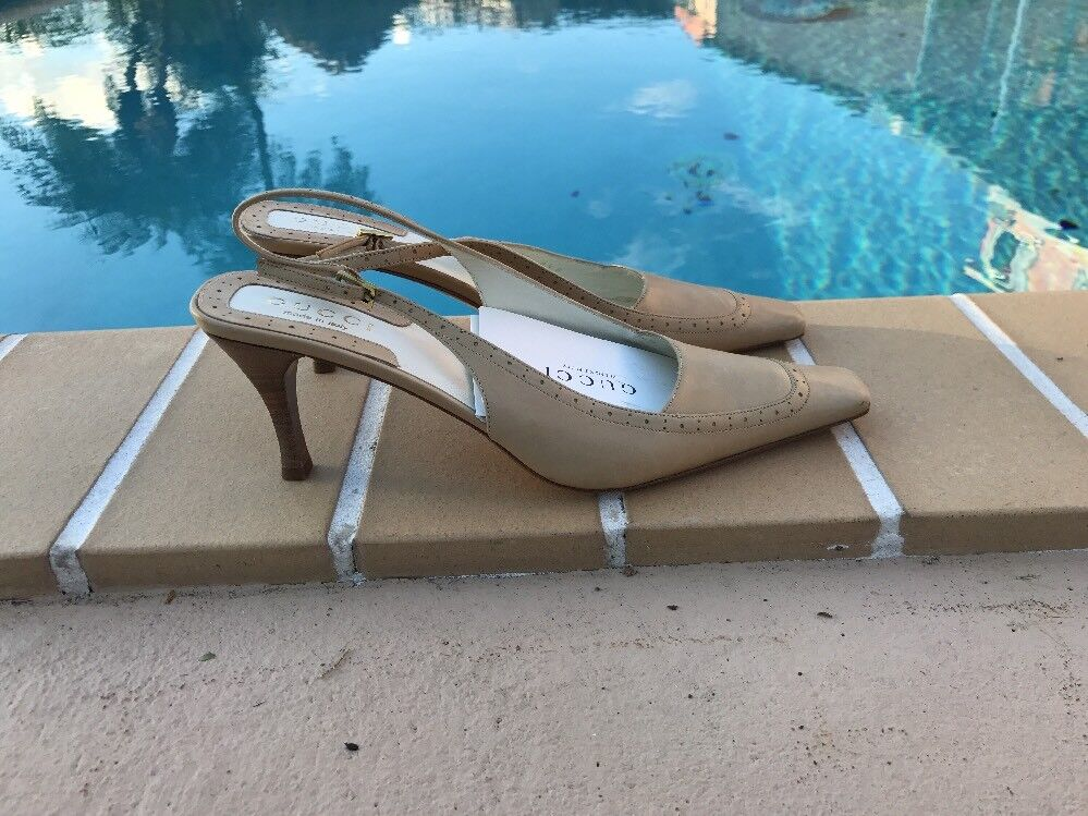 GICCI BEIGE LEATHER SLINGBACK POINTY TOE WOOD HEEL PUMPS Sz 8.5M MADE IN ITALY