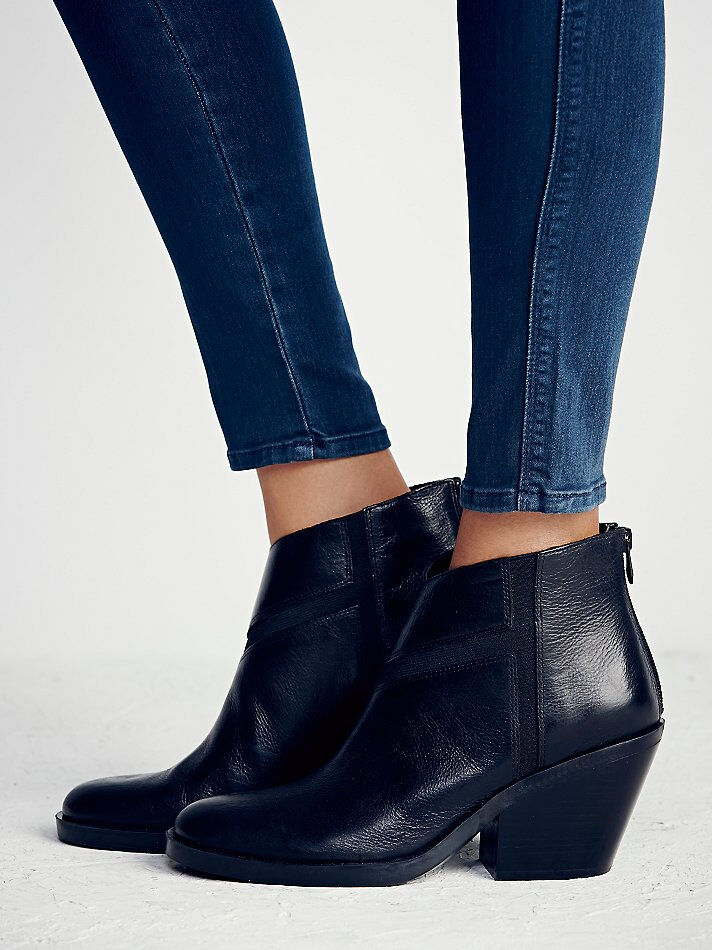NAYA SHOES LONELY MOUNTAIN ANKLE BOOT BLACK LEATHER BOOTIES NEW 9