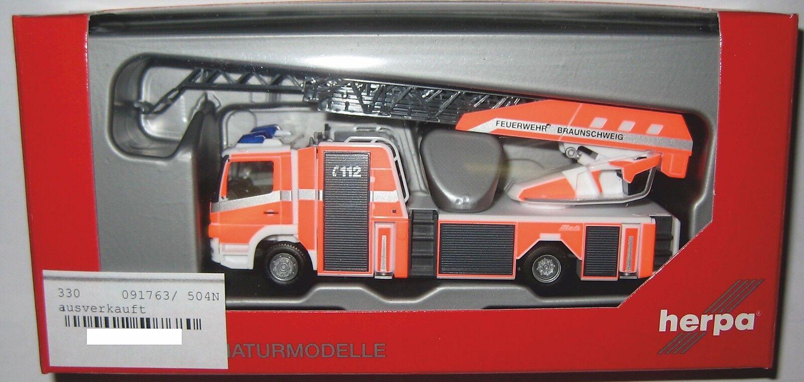 Herpa 091763 MB Atego 2010 Metz Drehleiter L32A-XS Feuerwehr Braunschweig 1 87  | Mittel Preis
