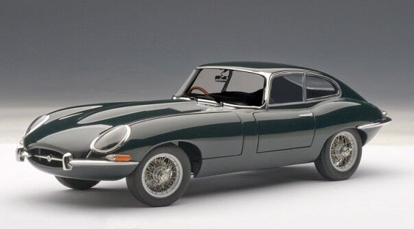 JAGUAR E-TYPE COUPE SERIES I 3.8 in Green in 1 18 Scale by AUTOart 73612