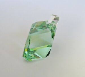 Pendant-Made-With-Swarovski-Peridot-Cubist-amp-Solid-925-Sterling-Silver-Bail