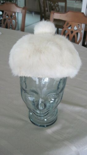 Women's Vintage Gorgeous Creamy White Beret Fur Ha