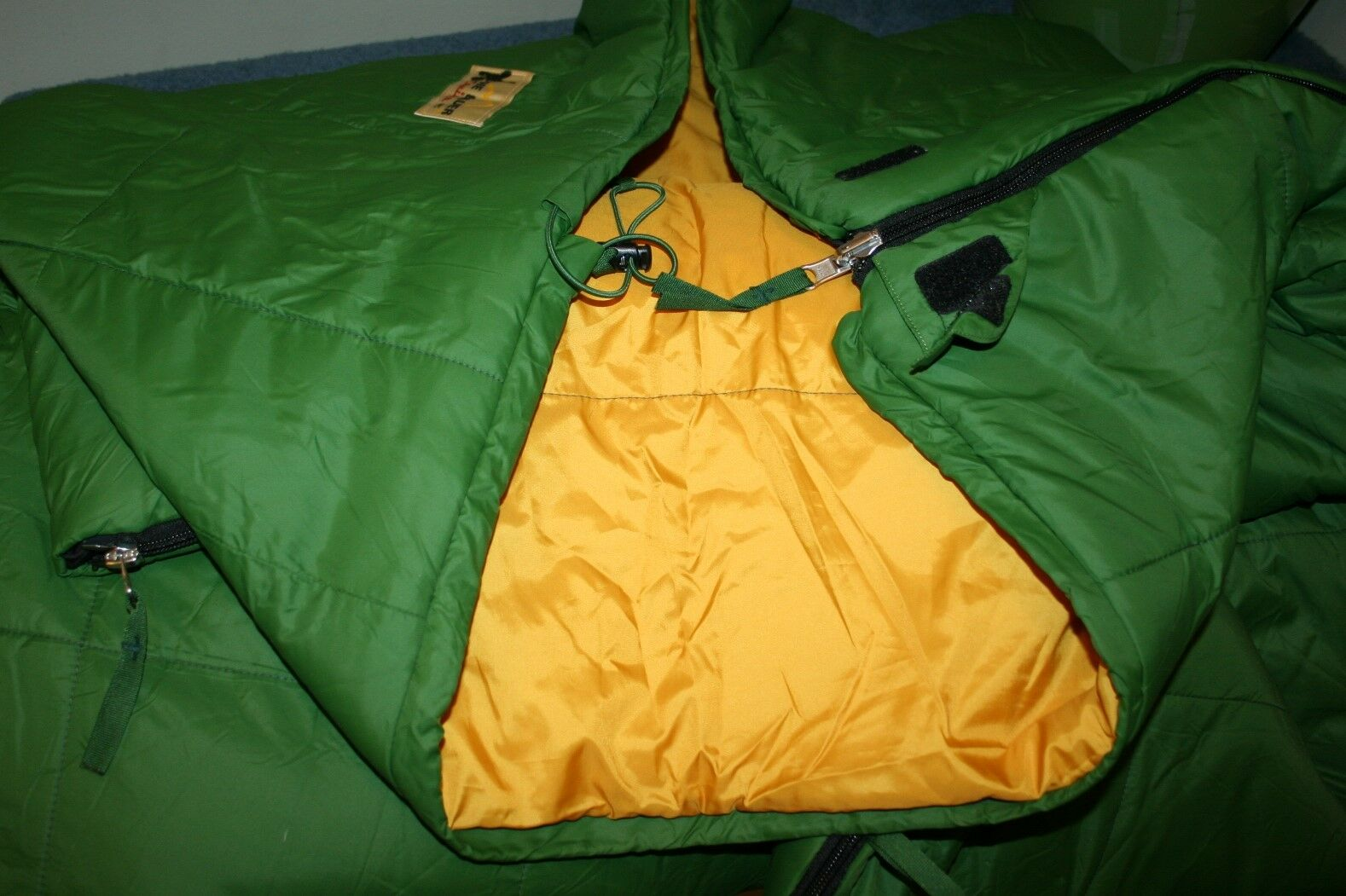 EDDIE BAUER CRUISER SLEEPING BAG GREEN ZIP UP 40 DEGREES F 78X33 78  BY 33
