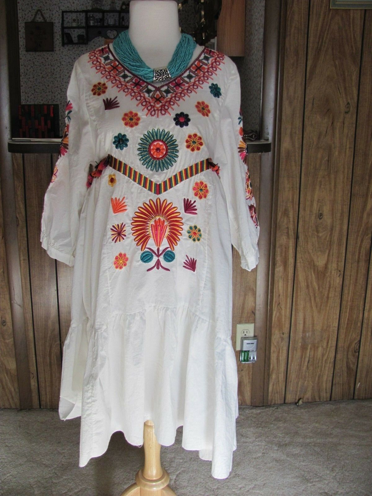 ORIGAMI BY VIVIAN  WHITE EMBROIDERED LONG SLEEVE TUNIC DRESS  FREE SIZE (1) BRAN