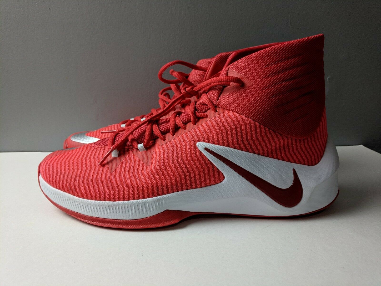 Nueva marca de Nike Zoom claro tbRojo& Blanco 13 hombre basketball zapatos Talla 13 Blanco eafee4