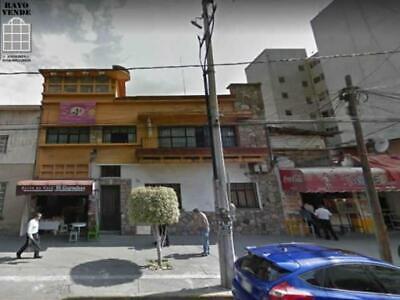 Oficinas en muy buena zona, aun paso del metro Xola
