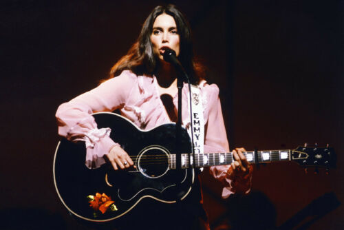 Emmylou Harris 1980S Pose Playing Guitar In Concert 11x17 Mini Poster