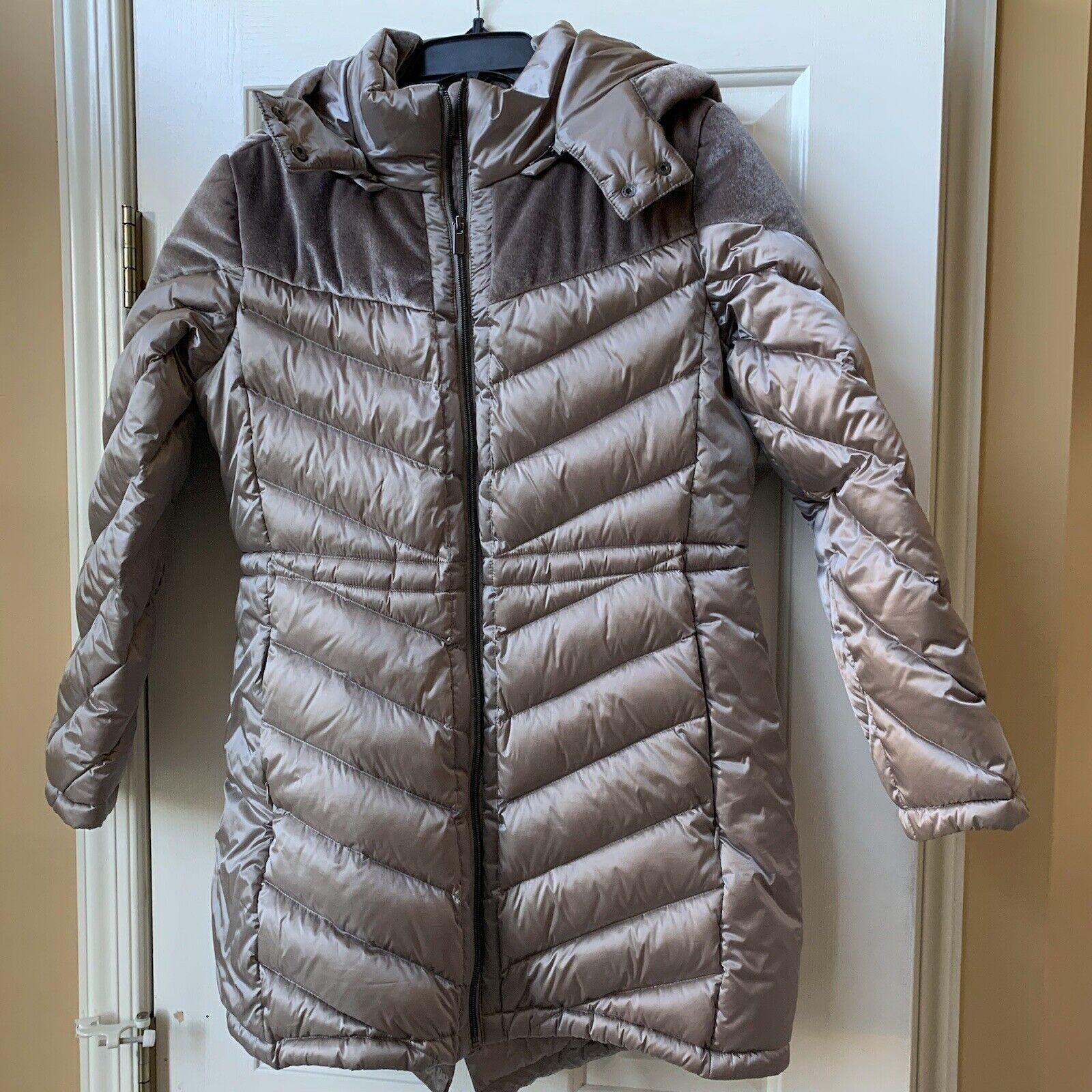 Belle Badgley Mischka Down Light weight Packable Jacket Coat Size Large NWOT