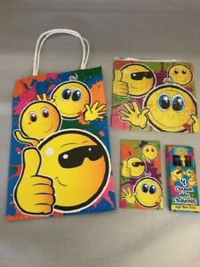 Childrens-papier-Smiley-Bargain-Pre-Rempli-Party-Sacs-Anniversaire-Enfants-favorise