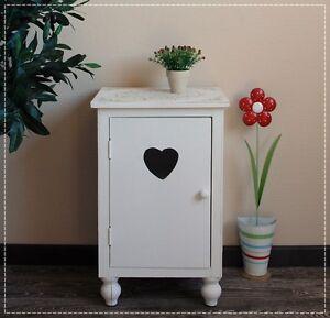 kommode nachttisch schrank herz holz wei shabby chic bauernstil ebay. Black Bedroom Furniture Sets. Home Design Ideas
