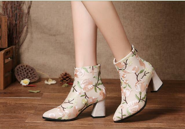 Womens floral embroidery chunky heel shoes zip point toe national ankle boots