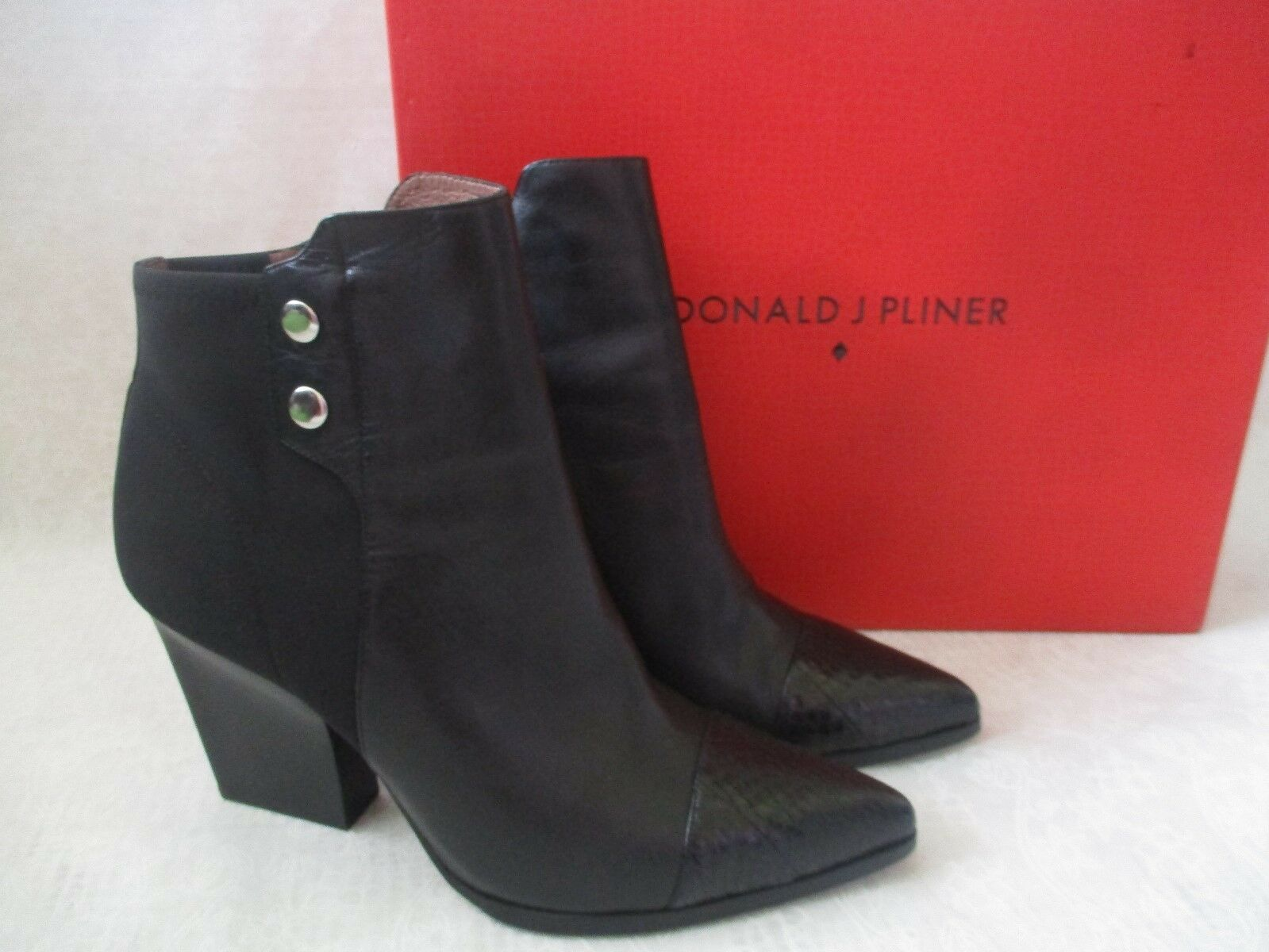 DONALD J PLINER BLACK VICSON LEATHER FABRIC ANKLE BOOTS SIZE 7 M -