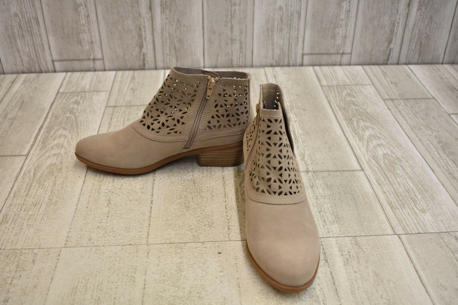 BareTraps Garin Ankle Bootie - Women's Size 8M Taupe