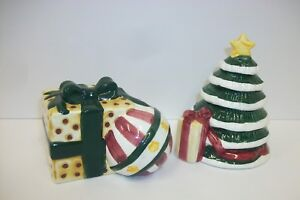 Whimsical-Christmas-Tree-with-Packages-Salt-Pepper-Shaker-Set