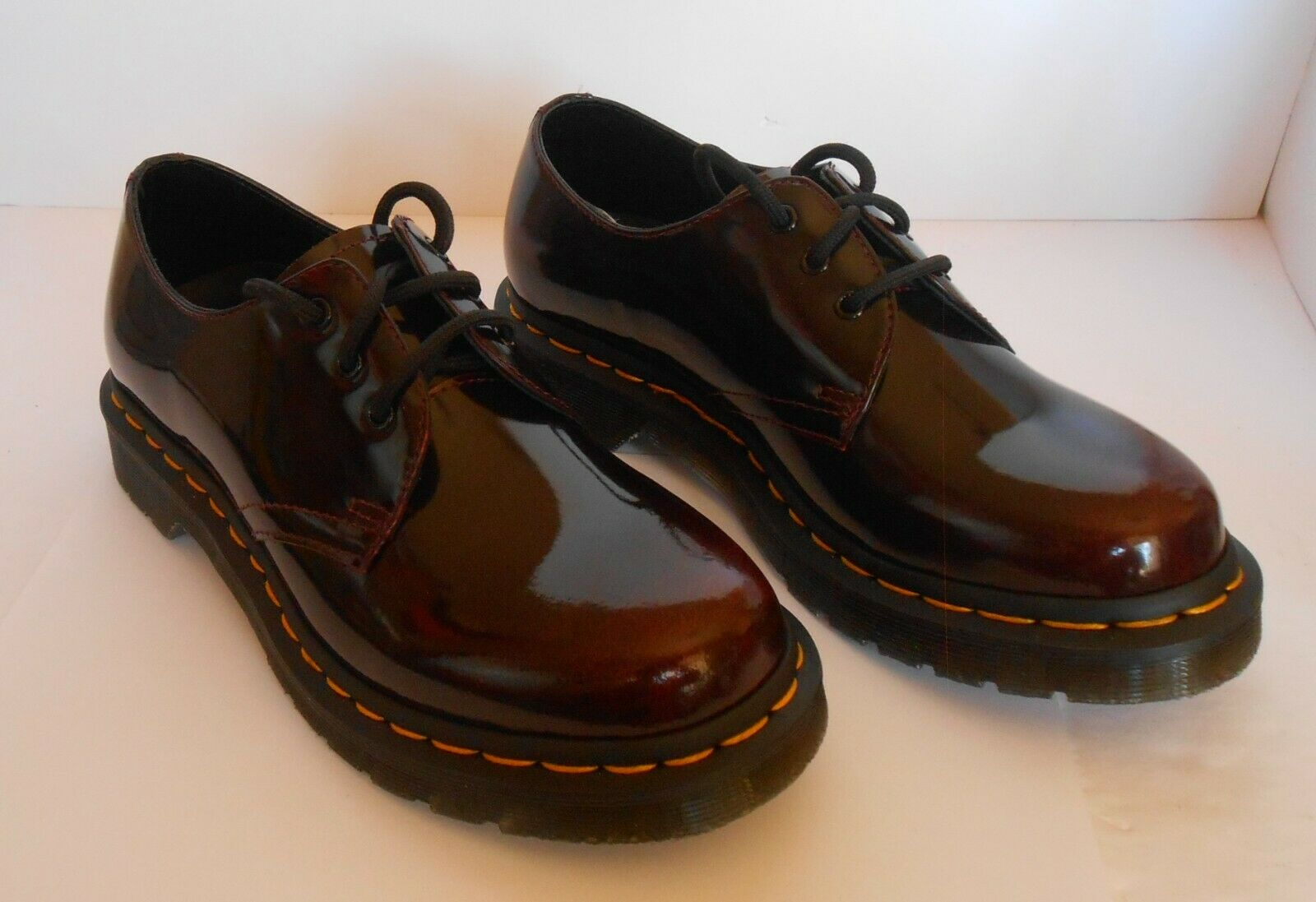 Dr. Martens Vegan 1461 Unisex 3 Eye Shoes . Cherry Red Oxford Rub Off . Size 5