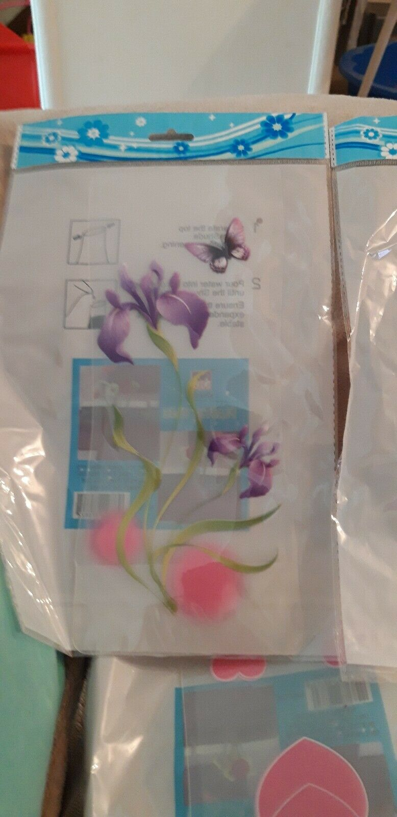 Vases - Set of 4 different designs in reusable foldable plastic- job lot