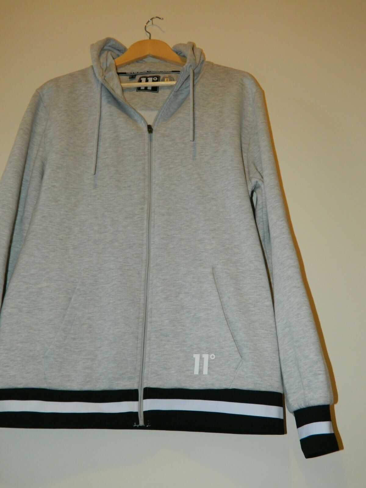Eleven Degrees Hoodie Jacket Zip Up Mens Large Very Good Condition
