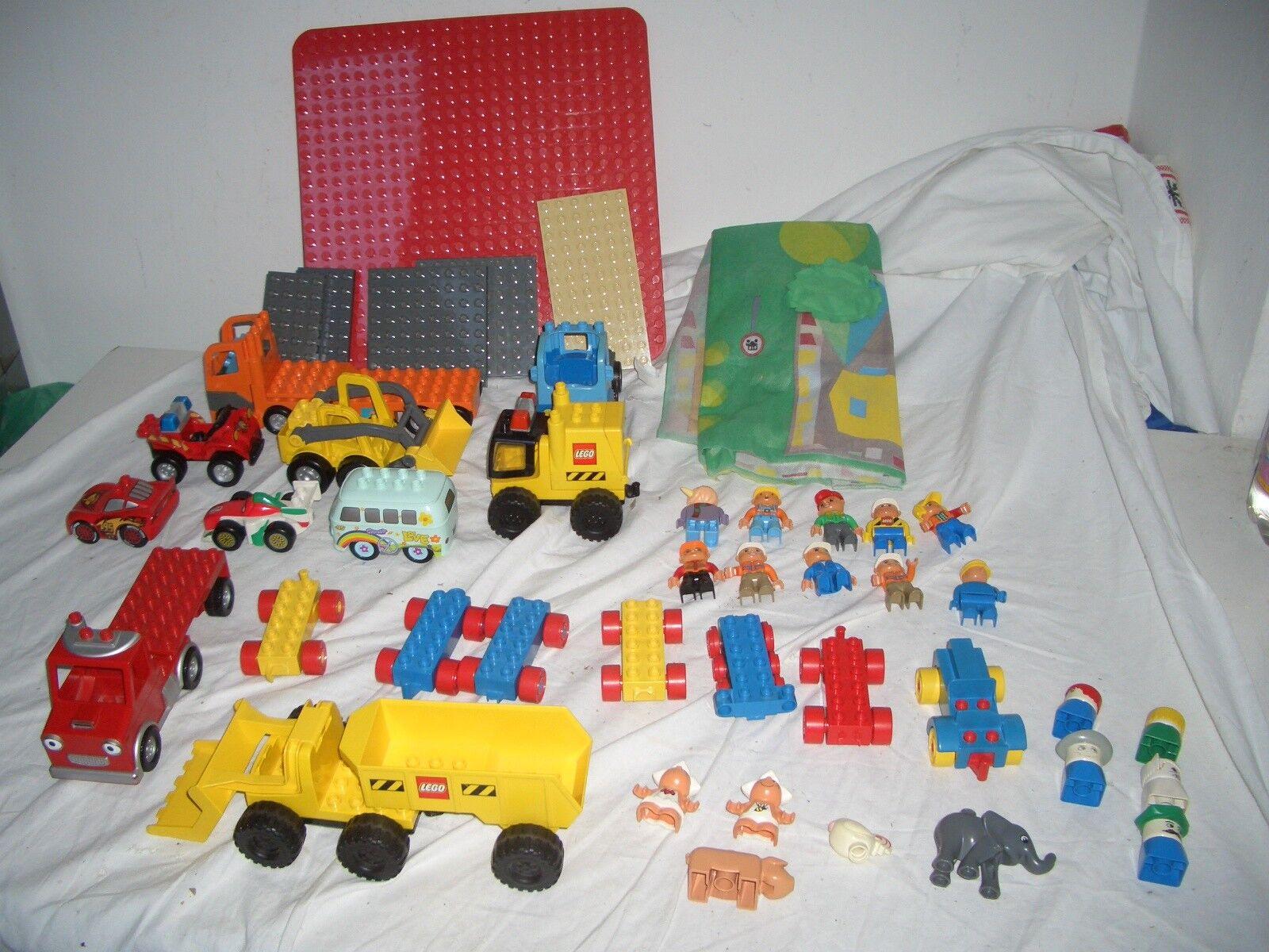 LEGO - DUPLO - gemischte Kiloware ca. 9 Kilo mit Platte Fahrzeugen Figuren