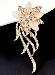 Pretty-Pale-Pink-Vintage-Style-Flower-Rhinestone-Pin-on-Brooch-Mothers-Day-Gift
