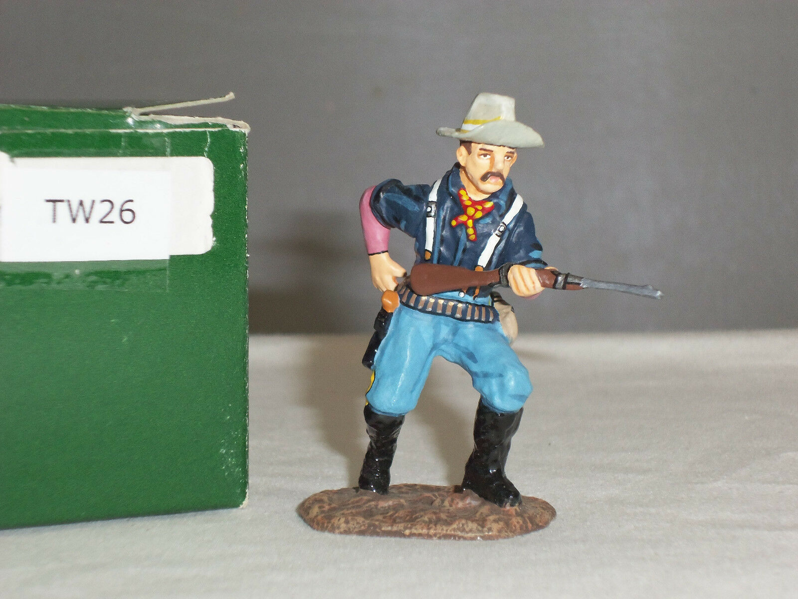 KING AND COUNTRY TW26 THE WEST US CAVALRYMAN LOADING RIFLE METAL TOY SOLDIER