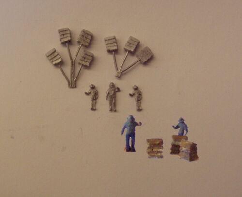 P/&D Marsh N Gauge n Scale C62 Beehives and beekeepers castings require painting