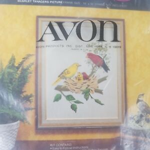 Vintage-Avon-Creative-Needlecraft-Crewel-Embroidery-Kit-Scarlet-Tanagers-New-E