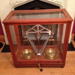 Vintage-Glass-Cased-Scales-Scientific-Weighing-Balance-Apothecary-Large-Antique