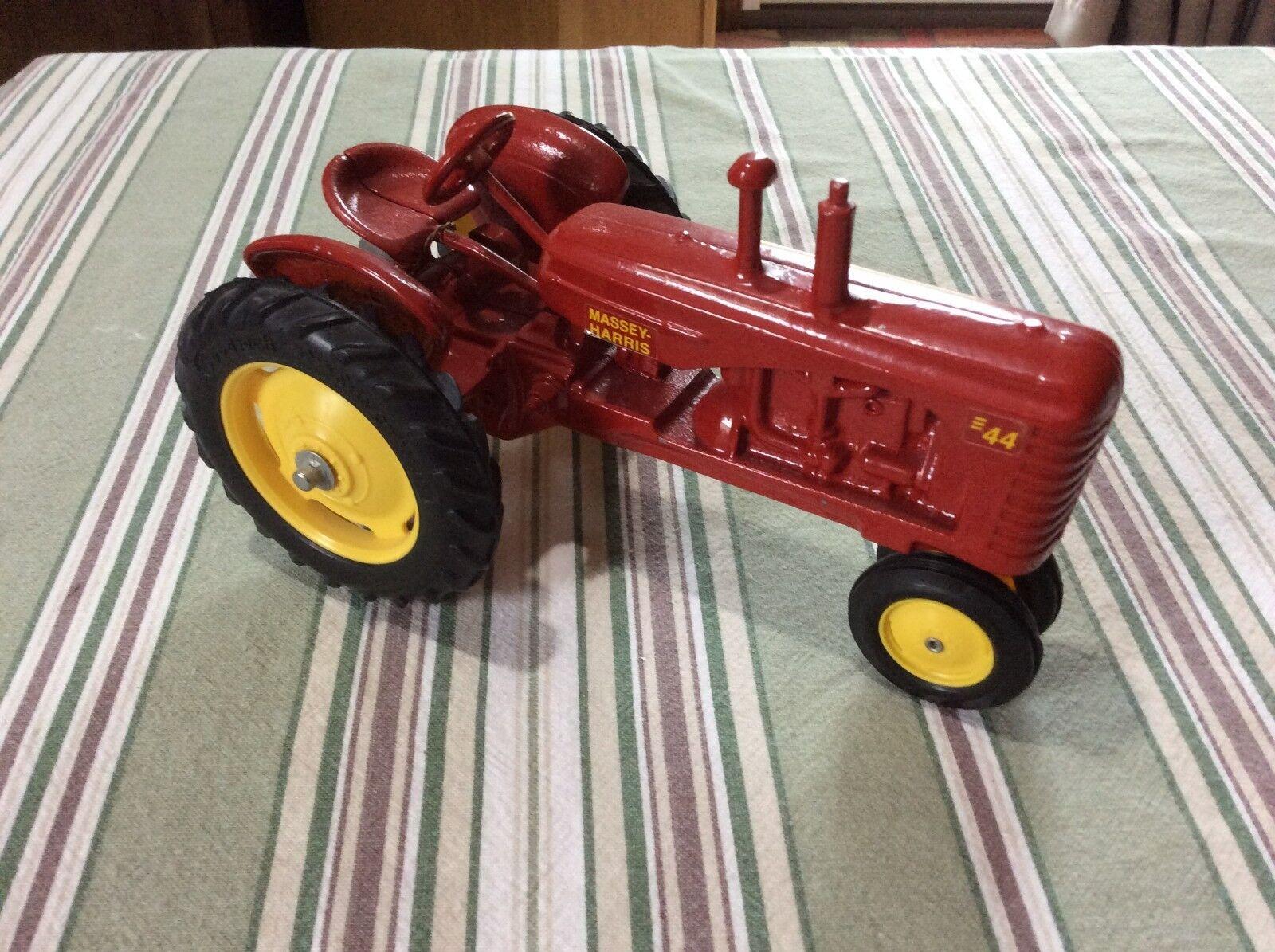 ERTL 1 16 Die-cast Massey Harris 44 Narrow Front Farm Tractor