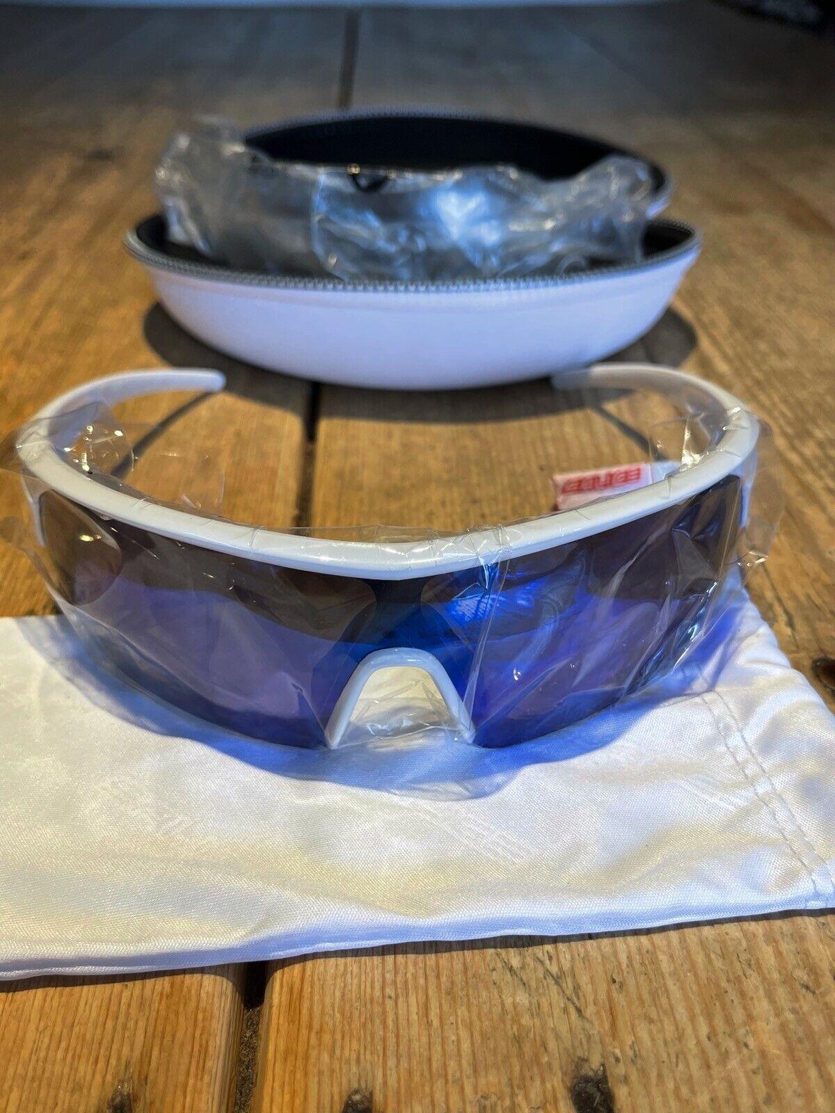 !!! nuevo!!! Fabuloso Salice Deportes Remo Ciclismo Gafas de sol, Blanco Con Lentes Azules