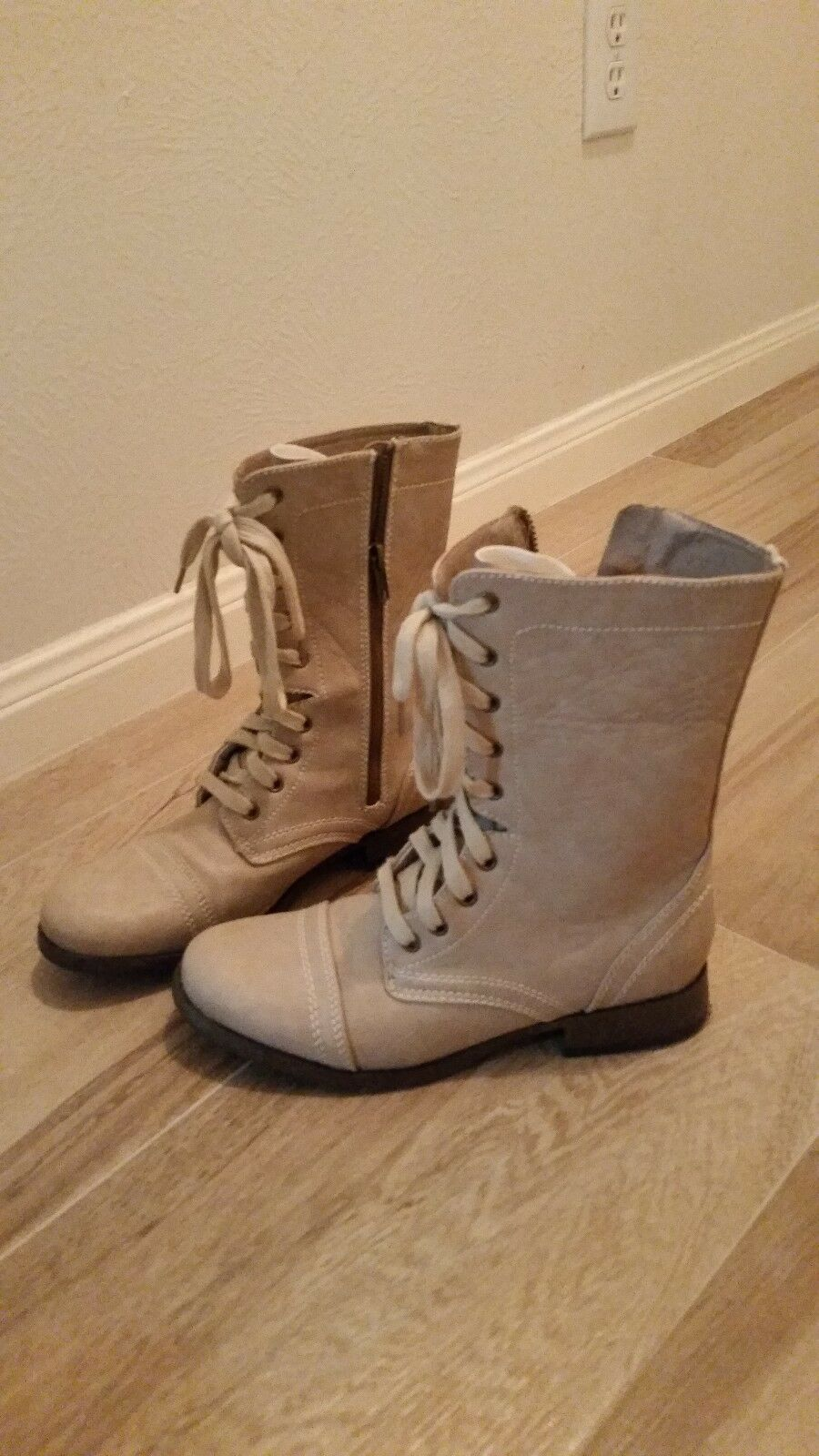 American Eagle Lace Up Cream Combat Moto Boot -Size 7 - Worn once