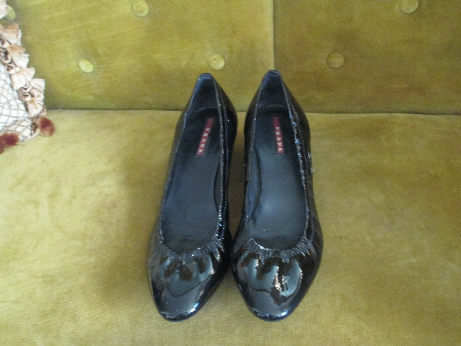 PRADA PATENT LEATHER CLASSICS PUMP HEELS SIZE 381 2 MADE IN ITALY