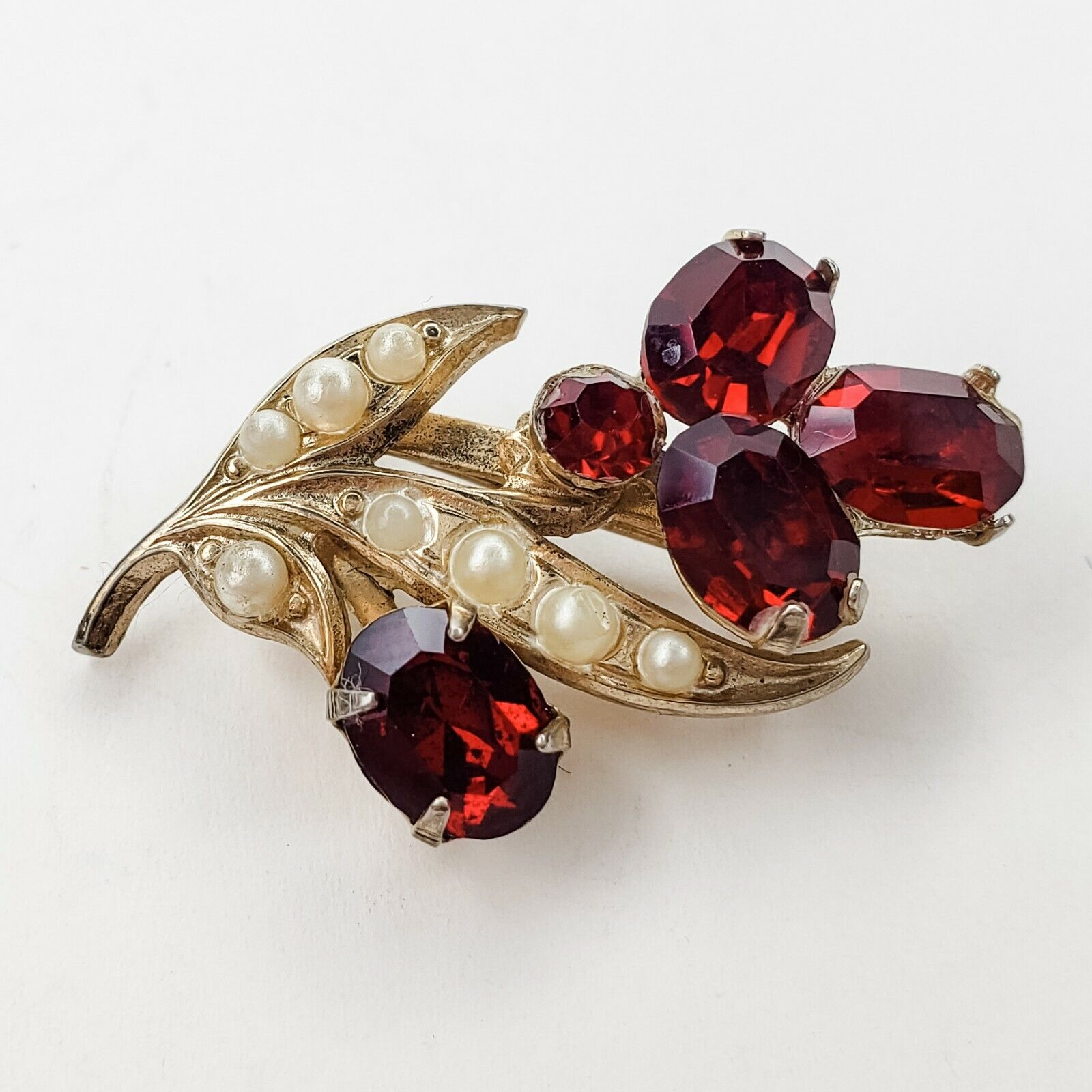 Coro Vintage Gold Tone Red Rhinestone and Faux Pe… - image 3