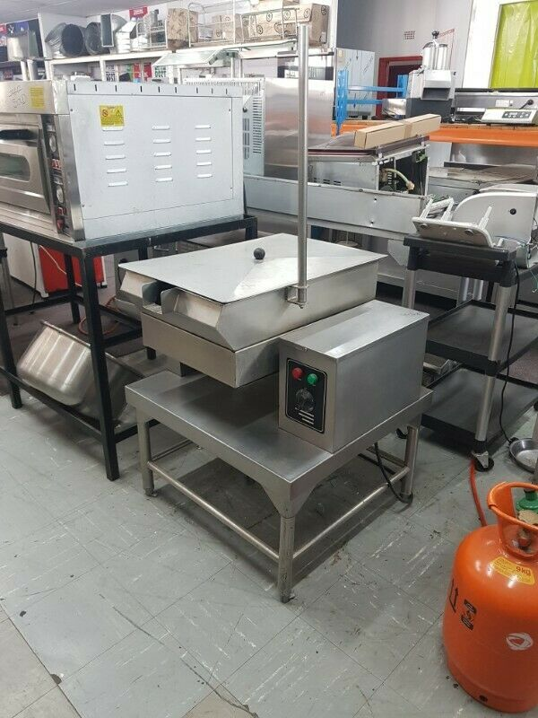 Tilting Pan – 20 Litre Floor standing with lid. 3 Phase electricity. In Excellent condition and work