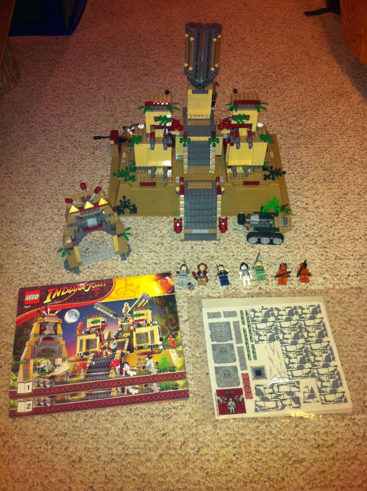 Lego Indiana Jones Temple Of The Crystal  Skull 7627 completare w uomoual & Minifigs  marca