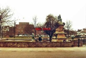 PHOTO-WARWICKSHIRE-GOWER-MEMORIAL-STRATFORD-UPON-AVON-IN-1984-THE-MEMORIAL-IS-T