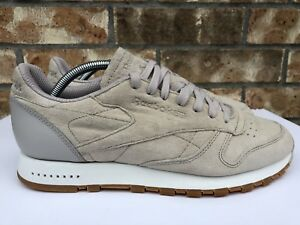 08a48dd2343 Men s Reebok Classic Leather SG Running Shoes Sandstone Chalk Gum Sz ...