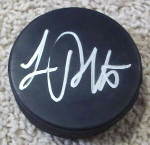 LUC-ROBITAILLE-LOS-ANGELES-KINGS-RED-WINGS-SIGNED-AUTOGRAPH-PUCK-E-w-PROOF