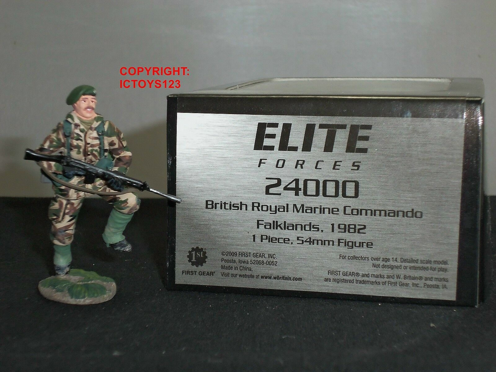 BRITAINS 24000 ELITE FORCES BRITISH ROYAL MARINES COMMANDO METAL TOY SOLDIER