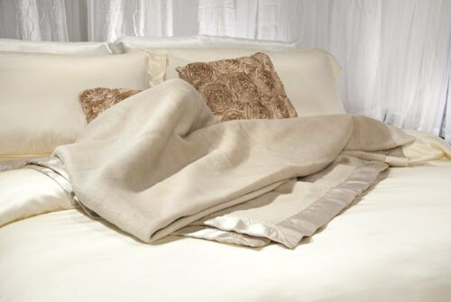 Aus Vio BM12122 100Percent Silk Blanket with Silk Satin Border