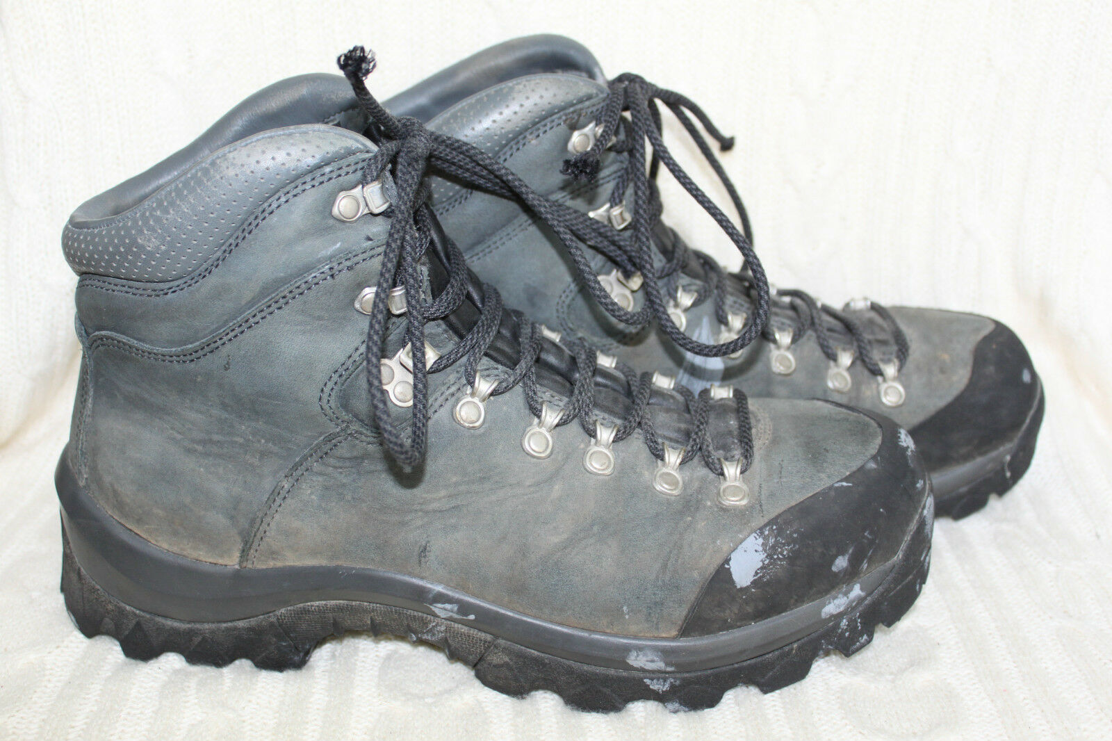 MEC Purcell Leather Hiking Boots Hyper Grip Soles Size 11.5