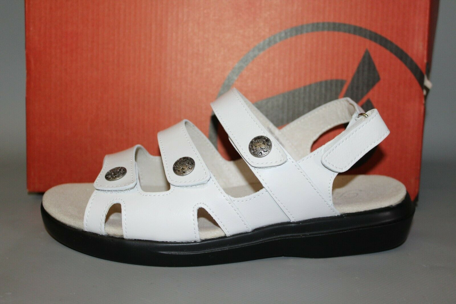 NEW Women's Propet W0028 Bahama White Leather Casual Sandals